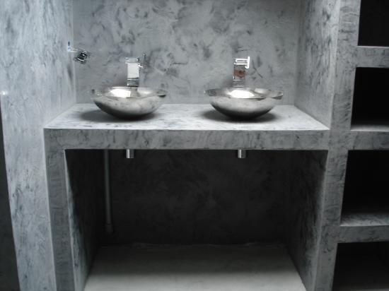 elegant good effet tadelakt enduit a la chaux teinte avec protection hydrofuge with salle de bain en tadelakt with enduit hydrofuge douche - Enduit Salle De Bain