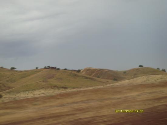 Une colline bien nue