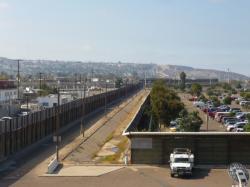 Tijuana - La pared a la frontera