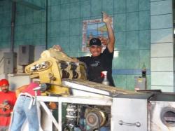 Tijuana - Vendedor haciendo las tortillas!