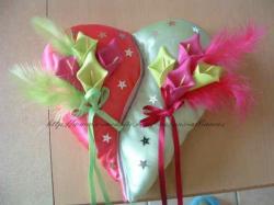 coussin fushia vert anis avec arums et petites étoiles