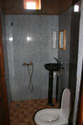 salle de bain tout confort à l'européenne