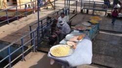 Vendeur à l'embarcadère du ferry - 2009