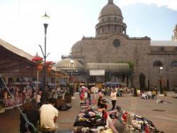 Toluca - Vista sobre la catedral y el mercado