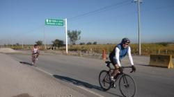 Hasta Oaxaca - Israel and Pedro biciclando