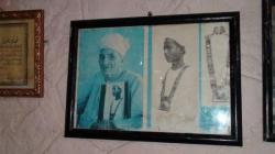 Ramesseum Rest House - Abdel Rassoul porte un collier de Toutankhamon ammené par Carter.