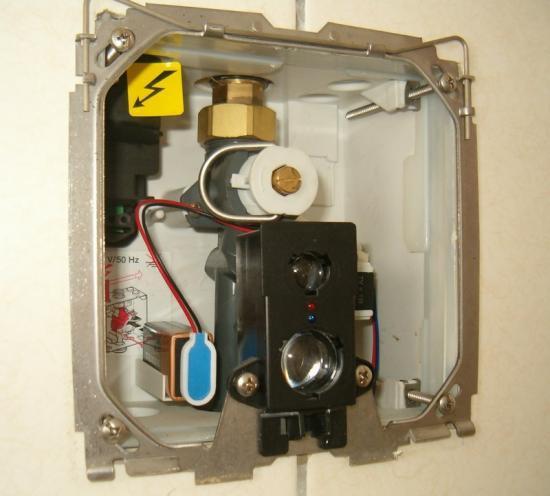 r servoir wc urinoir lavabo vanne chauffage radiateur. Black Bedroom Furniture Sets. Home Design Ideas