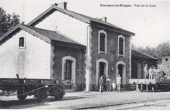 Plat à bogies à Pontenx