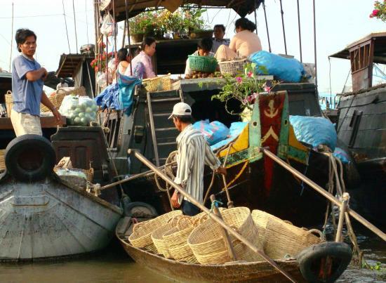 Le marché flottant VIETNAM Cantho @hellomisterd.com