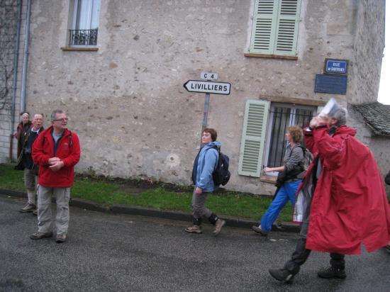Rue des Chantereines à Epiais Rhus
