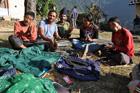 Le EETT nepali's band joue Resham phiriri