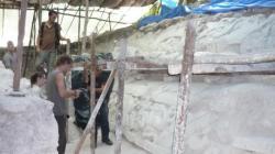 El Mirador - Observando un aqueduco maya