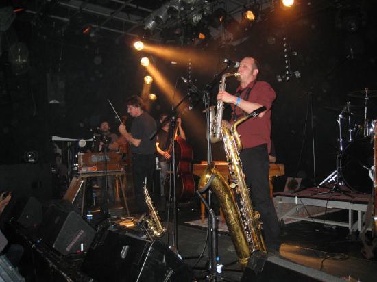 Frédéric à la contrebasse et Marc au saxophone