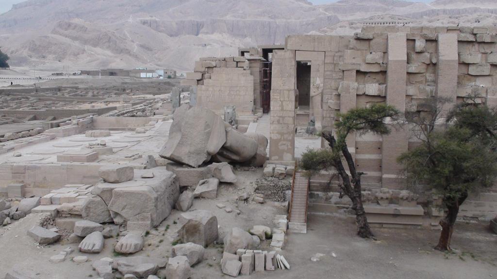 Vue d'ensemble du Ramasseum - Photo Pascal - Février 2009