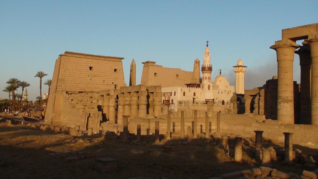 Vue d'ensemble du Temple de Louxor