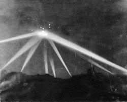 M1 Los Angeles, California, USA February 25, 1942 ovni ufo