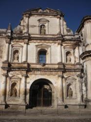 Antigua - Una de las antiguas iglesias