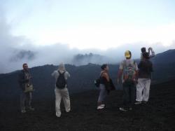 Pacaya - el grupo encima del volcan
