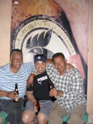 Antigua - Hugo, Fey y Julio