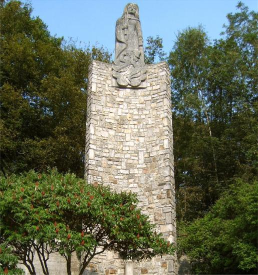 Statue de Notre Dame des Ardents