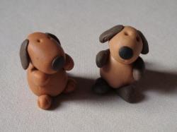 chiens en porcelaine froide