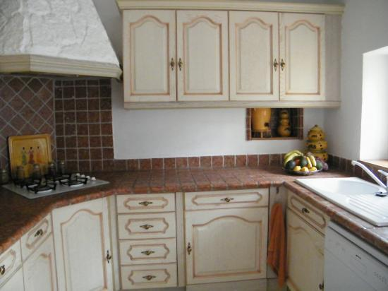 r parations la maison peindre frigo rouille. Black Bedroom Furniture Sets. Home Design Ideas