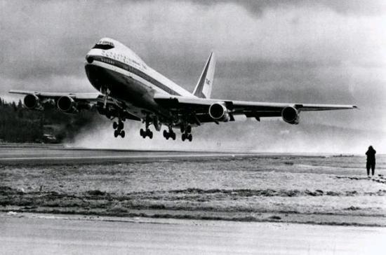 premier boeing 747