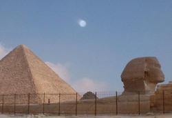Juil. 2005 Pyramide de Gizeh, Egypte 2