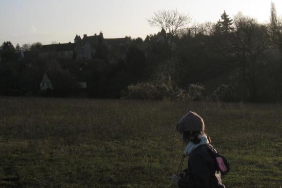 à proximité du Château de Moussy
