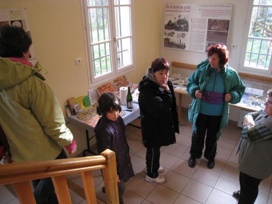 Exposition de fèves à Commeny