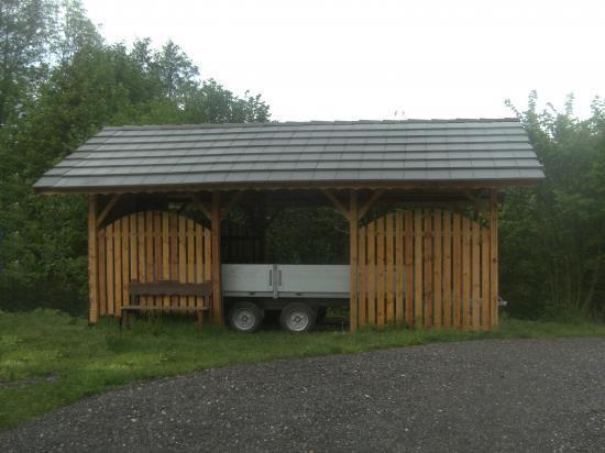 Hangar abris de jardin garage et carpots for Hangar jardin