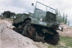 Camion Barreiros TT-90 équipé de pneus 'Lypsoïd'