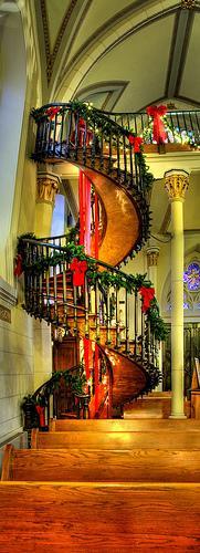 mysterieux escalier de loretto. Black Bedroom Furniture Sets. Home Design Ideas
