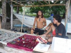 Capurgana - artesanos sobre la playa