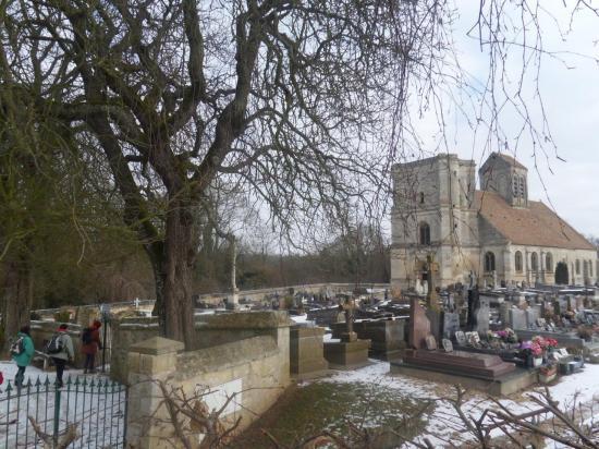 Cimetière et église de Nucourt