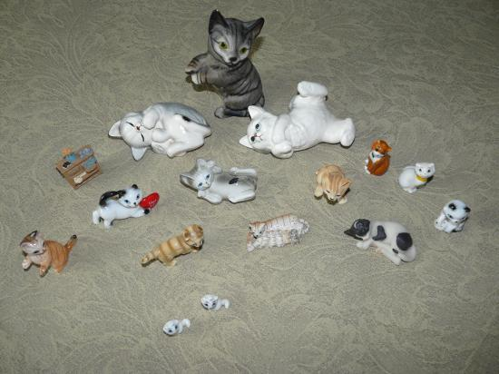 Figurine Chat Coloris Gris Clair : Collection personnelle de figurines chats