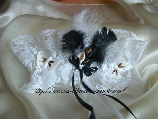 jarretière blanche arums, papillons et plumes