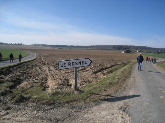 Randonneurs vers Le Rosnel