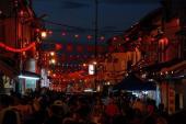 Animation nocturne du quartier chinois de Malacca