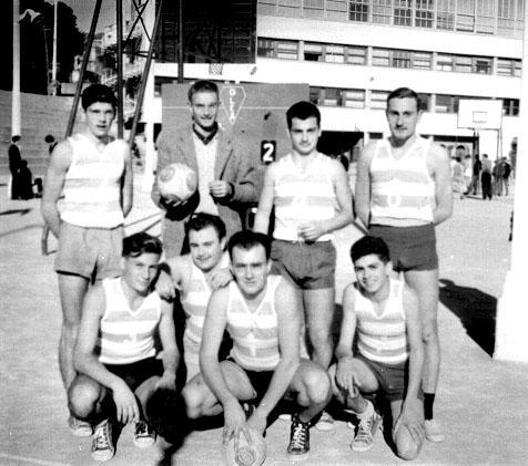 Equipe de volley-ball 1958.