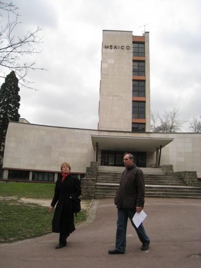 Joelle et Bruno à la Cité Universitaire à Paris