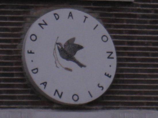 Colombe de la Paix sur la Fondation Danoise - Cité Universitaire à Paris
