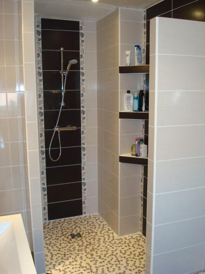 Chocolat noir et blanc for Salle de bain blanc et chocolat