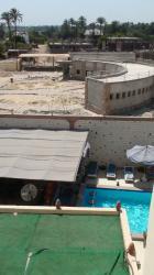 En bas la piscine du Nile Valley - au fond les bâtiments techniques.