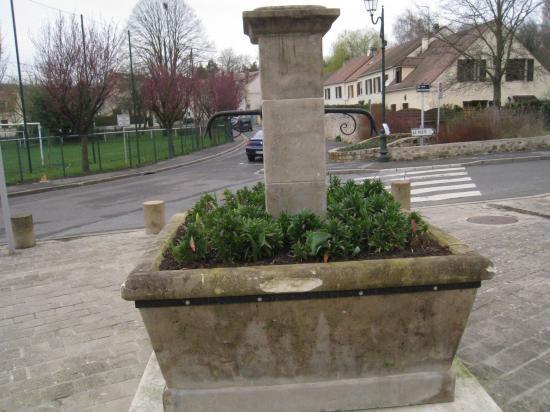 Fontaine à Boissy L'Aillerie (95)