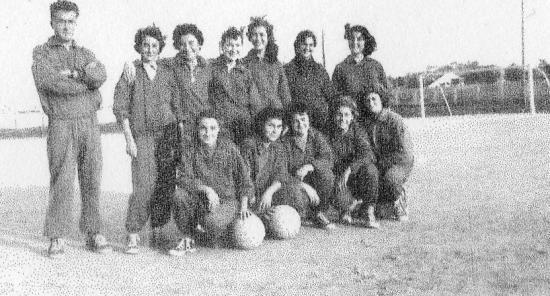 Avenir de Fort-de-l'Eau: section basket (filles).1958.