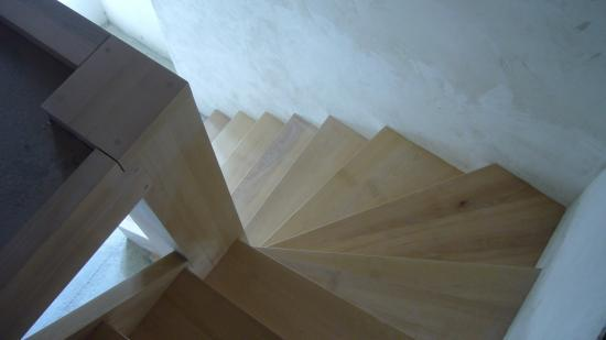 escalier 1 4 tournant h tre. Black Bedroom Furniture Sets. Home Design Ideas