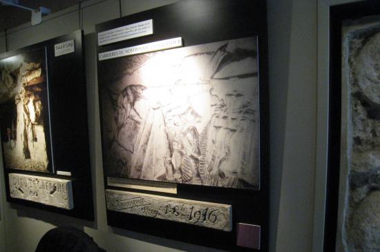 Bas-Reliefs - Carrière du Noyonnais au Chauffour