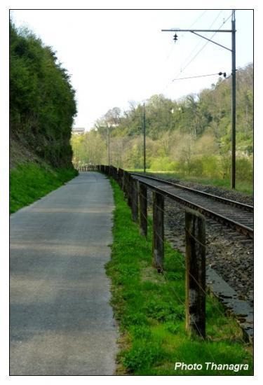 En longant la voie ferrée.jpeg