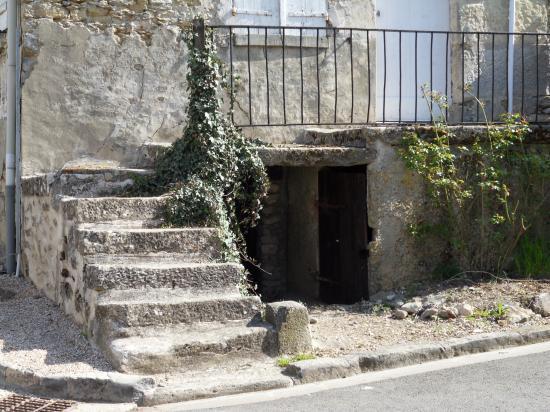 vieil escalier de pierres